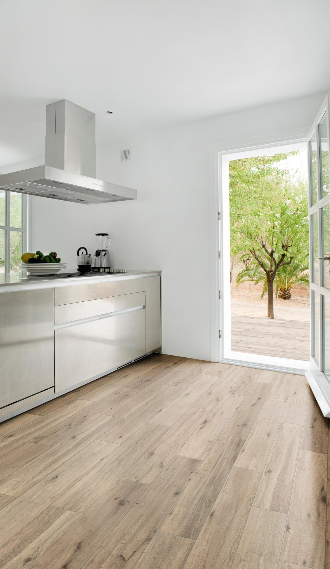 treverkview feinsteinzeug in holzoptik marazzi. Black Bedroom Furniture Sets. Home Design Ideas